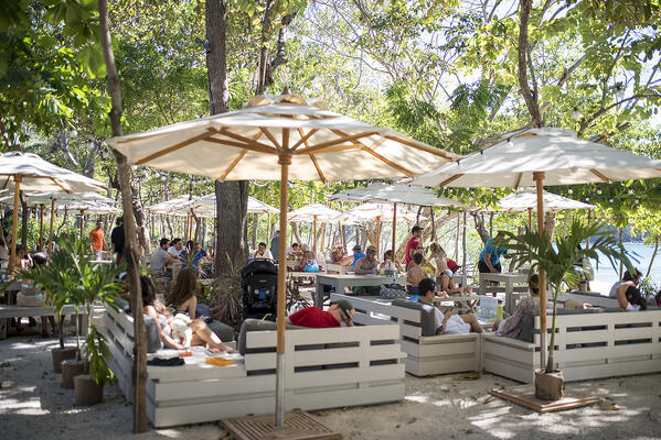 Limonada restaurant is a casual beach restaurant serving local favorites and international beach food.